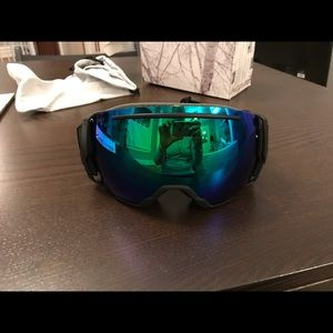 Smith ski goggles new in box with extra lens